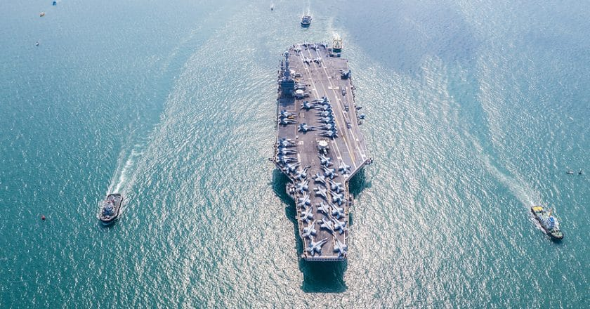 How US Aircraft Carrier Deal With Intruding Elements on Their Massive Anchors