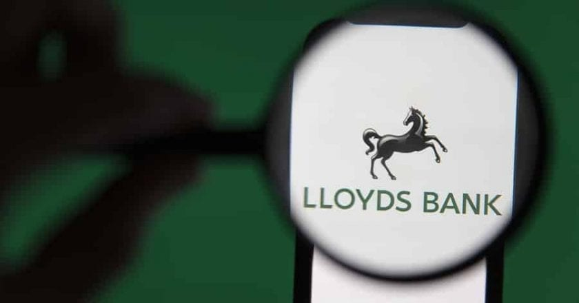 CMA stops Lloyds 'bundling' business accounts with loans