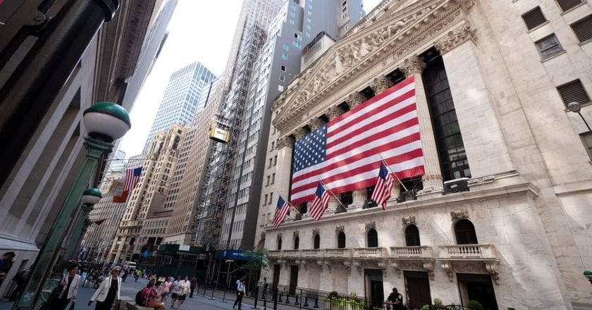 NYSE Traders Return to the Floor to Resume Business