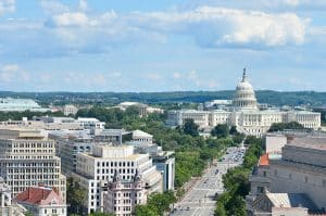 US Capitol: Suspect – officer dead after 'ramming car' into police